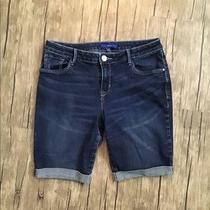 APT 9 Bermuda Shorts GUC